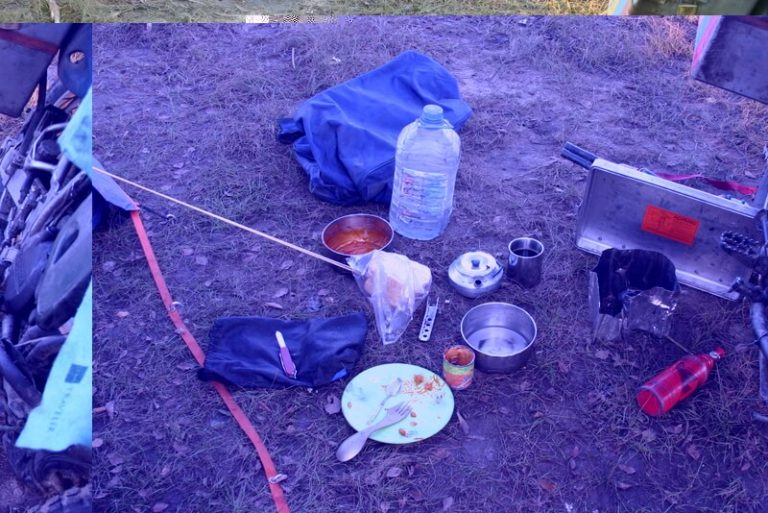 Day 94 This could be my last night's camping and I have so much food left, so extravagantly I make beans on toast for breakfast. Well beans on blackened bread eaten with burnt fingers.